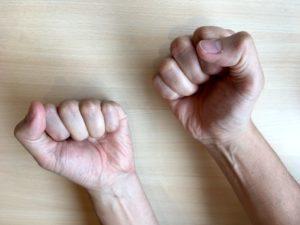 筋弛緩法の手の写真